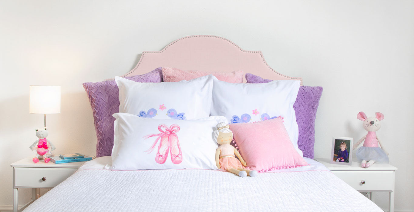 En Pointe Pillow Case