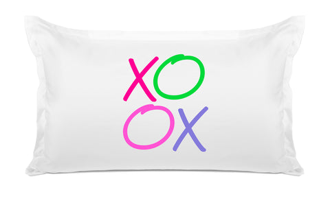 XOXO quote pillow case Di Lewis bedroom decor