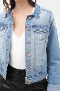 This cropped denim jean jacket is EVERYTHING! Its the perfect amount of stretch and the softest denim material! Features rose gold buttons and slight distressing. You are going to want to pair this will of your favorite Spring and Summer outfits and dresses!