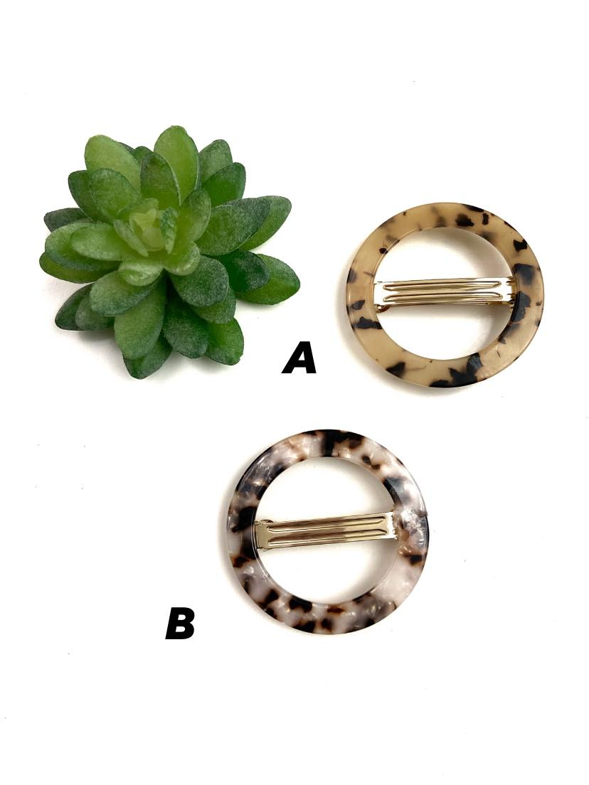 These circular resin barrettes are so cute!! Throw one of these in your hair and look instantly fabulous! Resin Round Barrette Hair Accessory