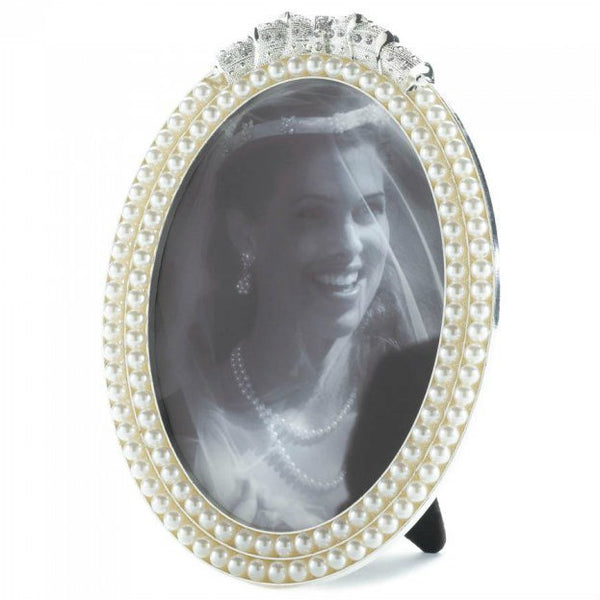 Strands of Pearls Photo Frame