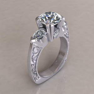 ENGAGEMENT RING - ANTIQUE 102