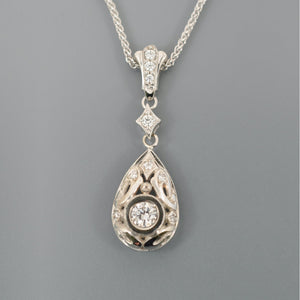 Diamond pendant 2