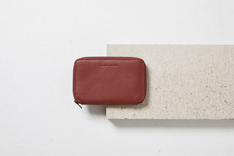 STATUS ANXIETY Vow Travel Wallet cognac