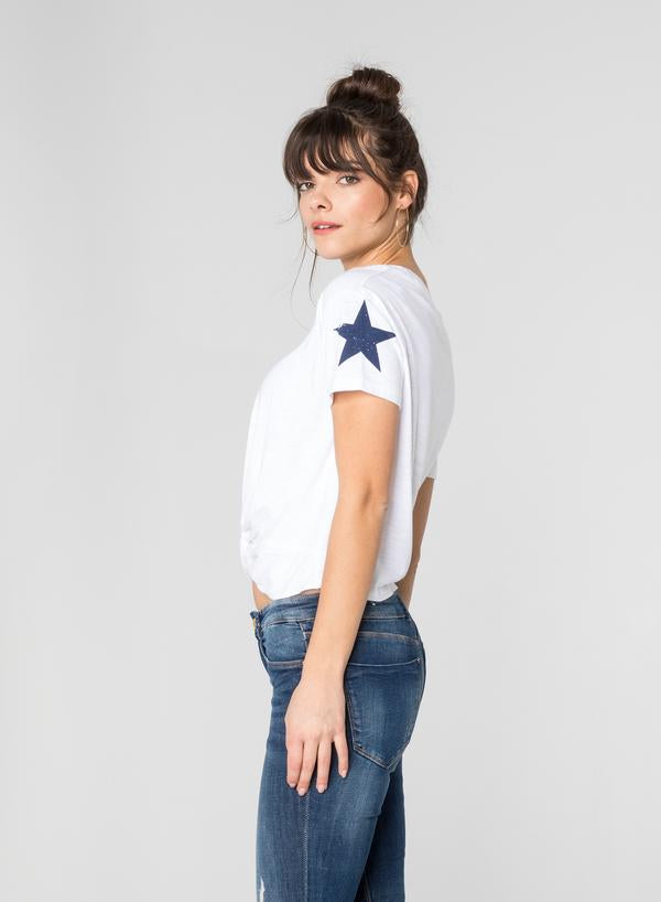 CHRLDR - SLEEVE STAR - CROP KNOT T-SHIRT