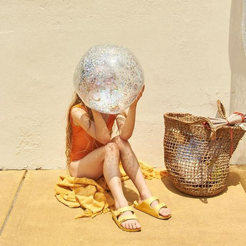 SUNNYLIFE INFLATABLE BEACH BALL | GLITTER