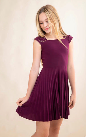 Un Deux Trois Cap Sleeve Pleated Dress