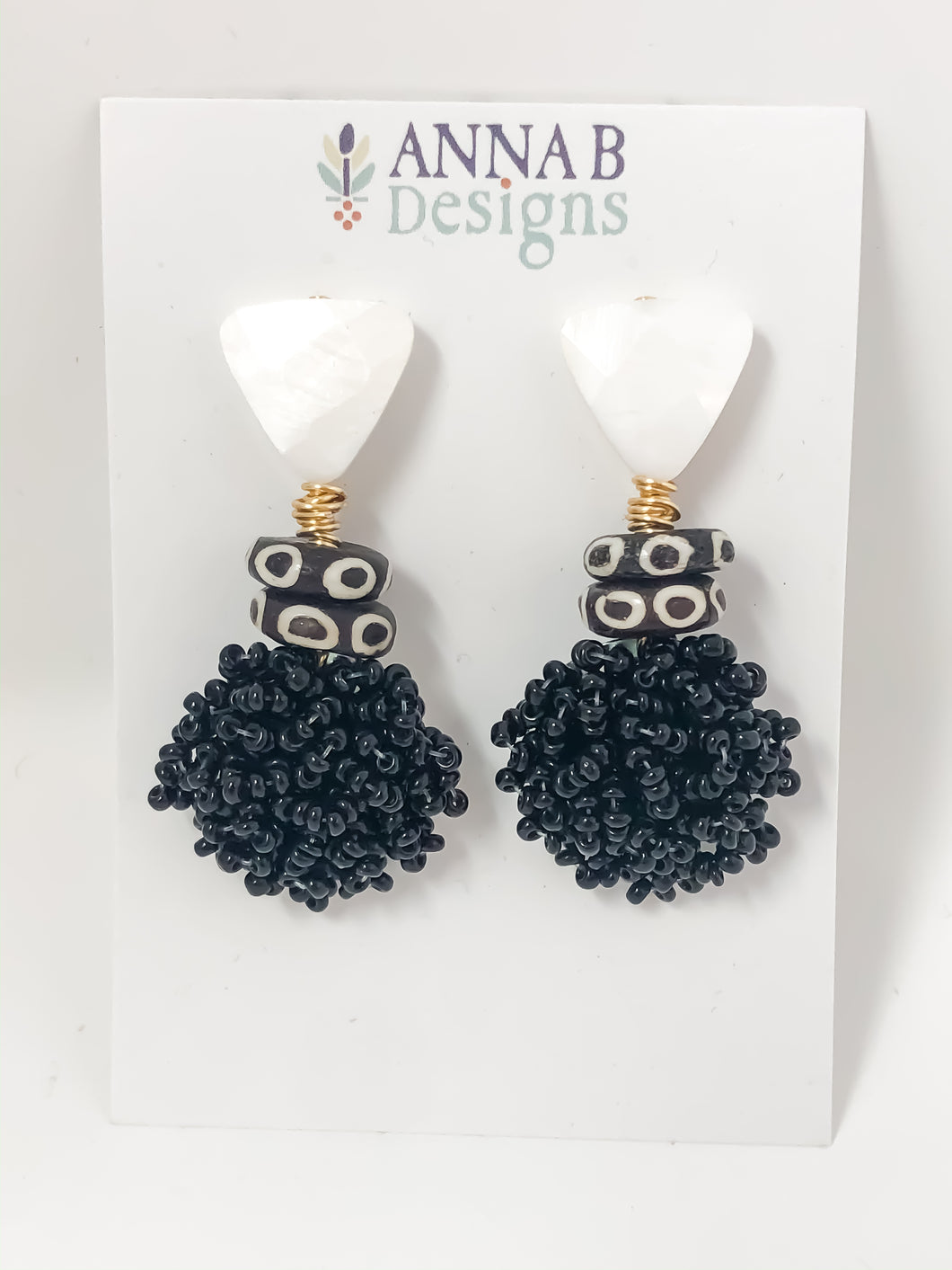 Poppy Beaded Earrings | Black