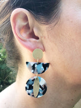 Daphne Resin Earrings-Blue + Black