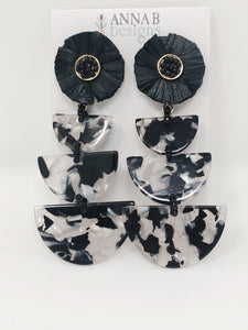 Raffia Paola Resin Earrings- Black + White