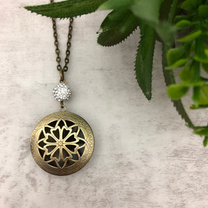 Aromatherapy Necklace | Style 1 Flower