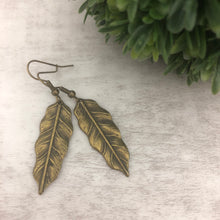 Charm Earring | Leaf Narrow