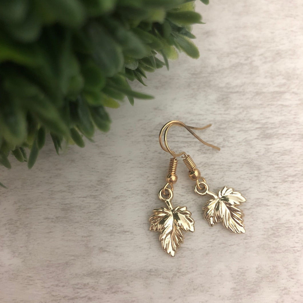 Charm Earring | Maple Leaf II