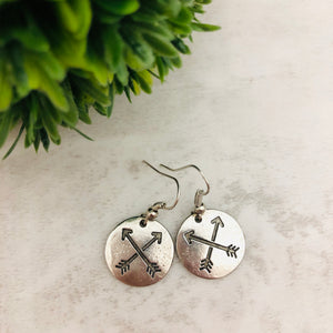Charm Earring | Arrow Circle Double Crossed