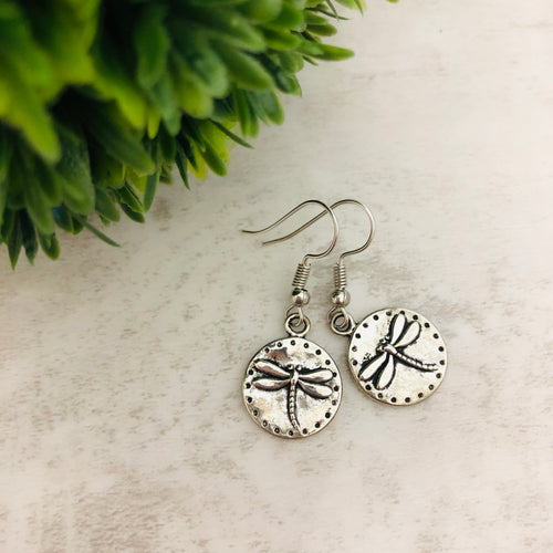 Charm Earring | Dragonfly Circle