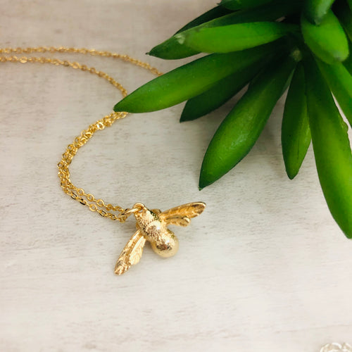 Dainty Necklace | Bee