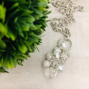 Necklace Cluster | White + Pearl