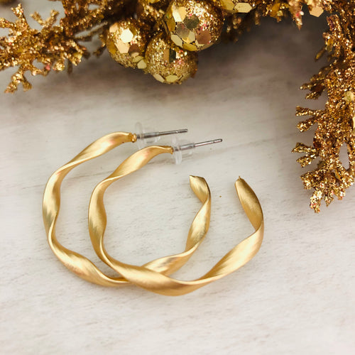 Twist Hoop Earrings | Matte Gold