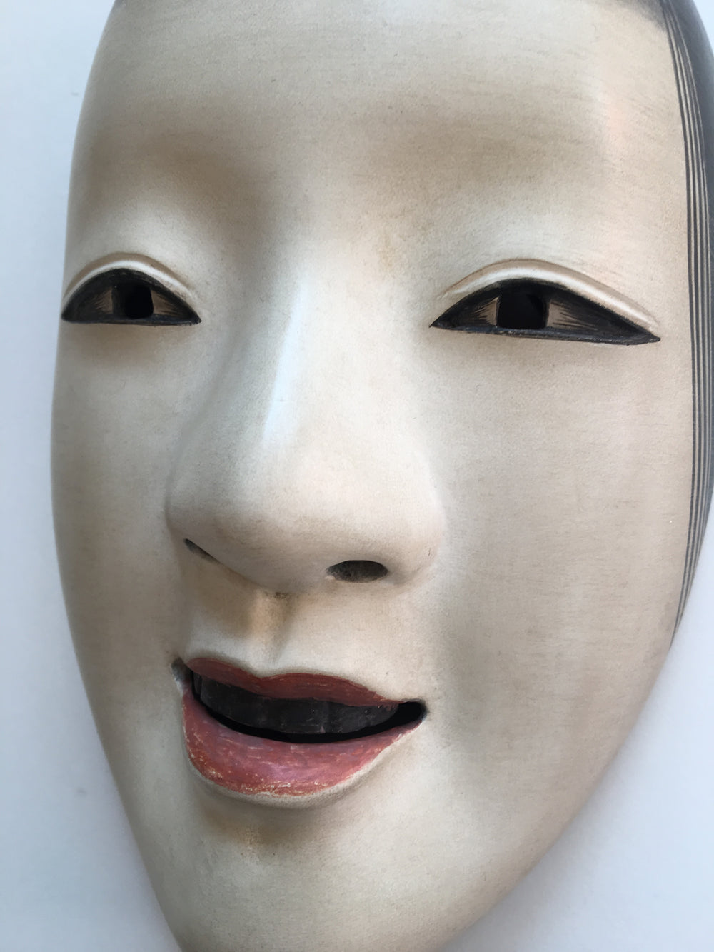 Mask of MAGOJIRO by Masahiko Matsumoto. /(with quilted textile bag and a paulownia box)
