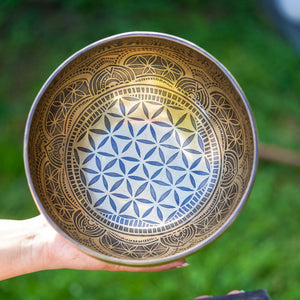 Hand made Singing Bowls with beautiful designs
