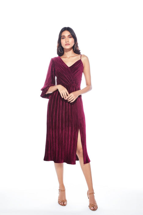 Maroon pleated dress with balloon sleeve