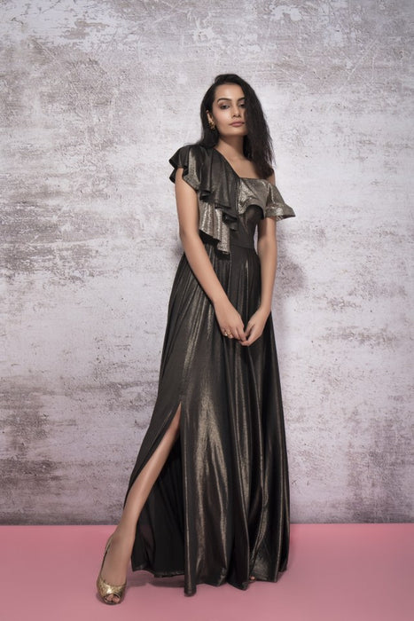 SHIMMER BLACK GOWN WITH A GOLDEN RUFFLE AND A BLACK SLIT