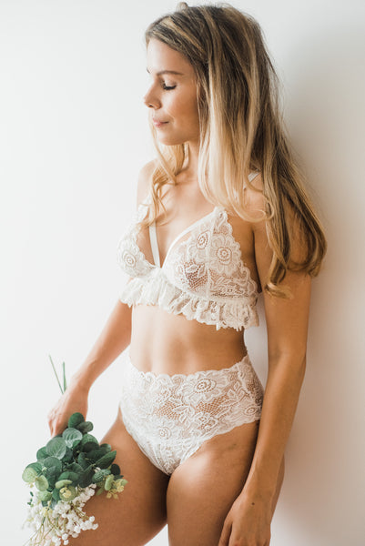 Special Lingerie for Your Wedding or Honeymoon.