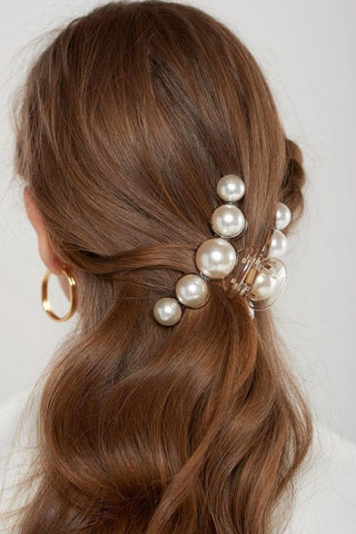large pearl hair clips 2019 trends