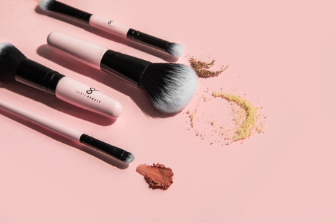Spring Cleaning Your Makeup: makeup brushes
