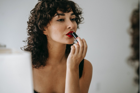 Easy Tips for Refreshing Your Makeup