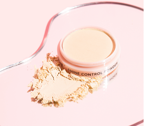 Maintain oily buildup with Shine Control Powder