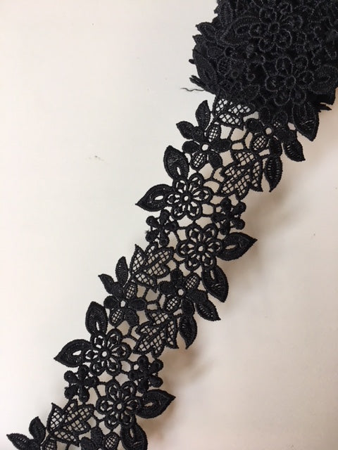 Lace Trim 33 - Flowers and Leaves Black - AU