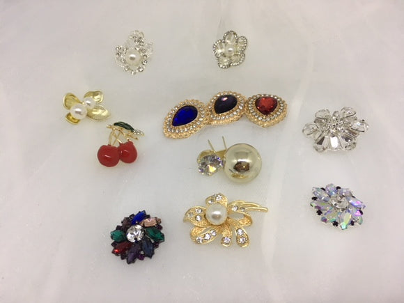 Medium Brooch Range