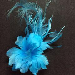 Large Feather Flower on Comb (YX12113) - AU