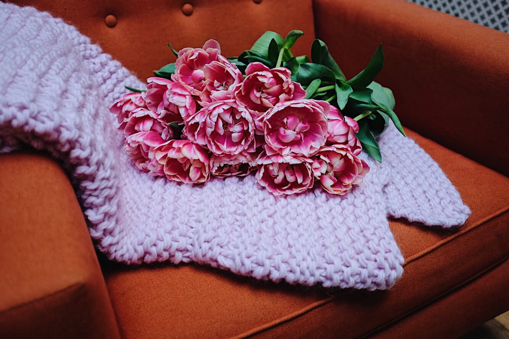 Knit Hearts Chunky Wool Blanket - Pink