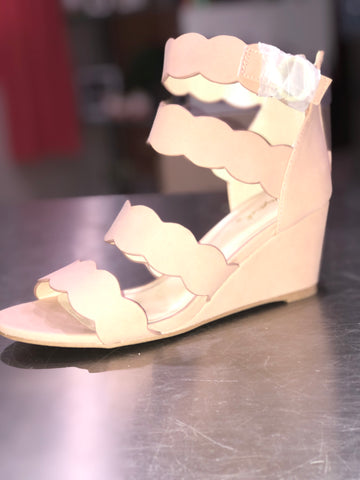 Blush Wedge