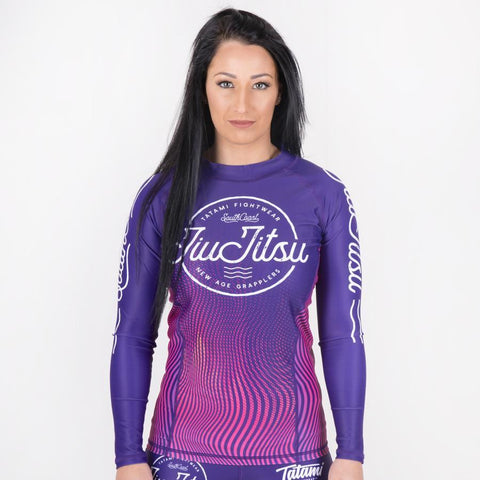 products/wave-rash-guard-front2_dffa3df1-53a0-468a-8c03-07271326d4f4.jpg