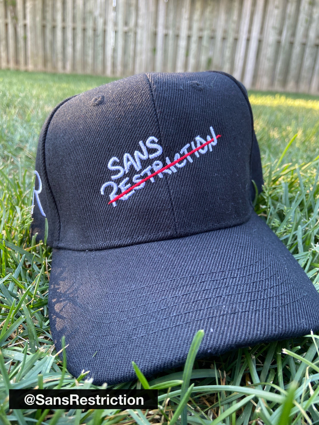 Sans Restriction - Casquette courbe ajustable