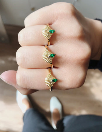 shell jewellery vjewellery art deco jewels silver gold emerald rings green rings