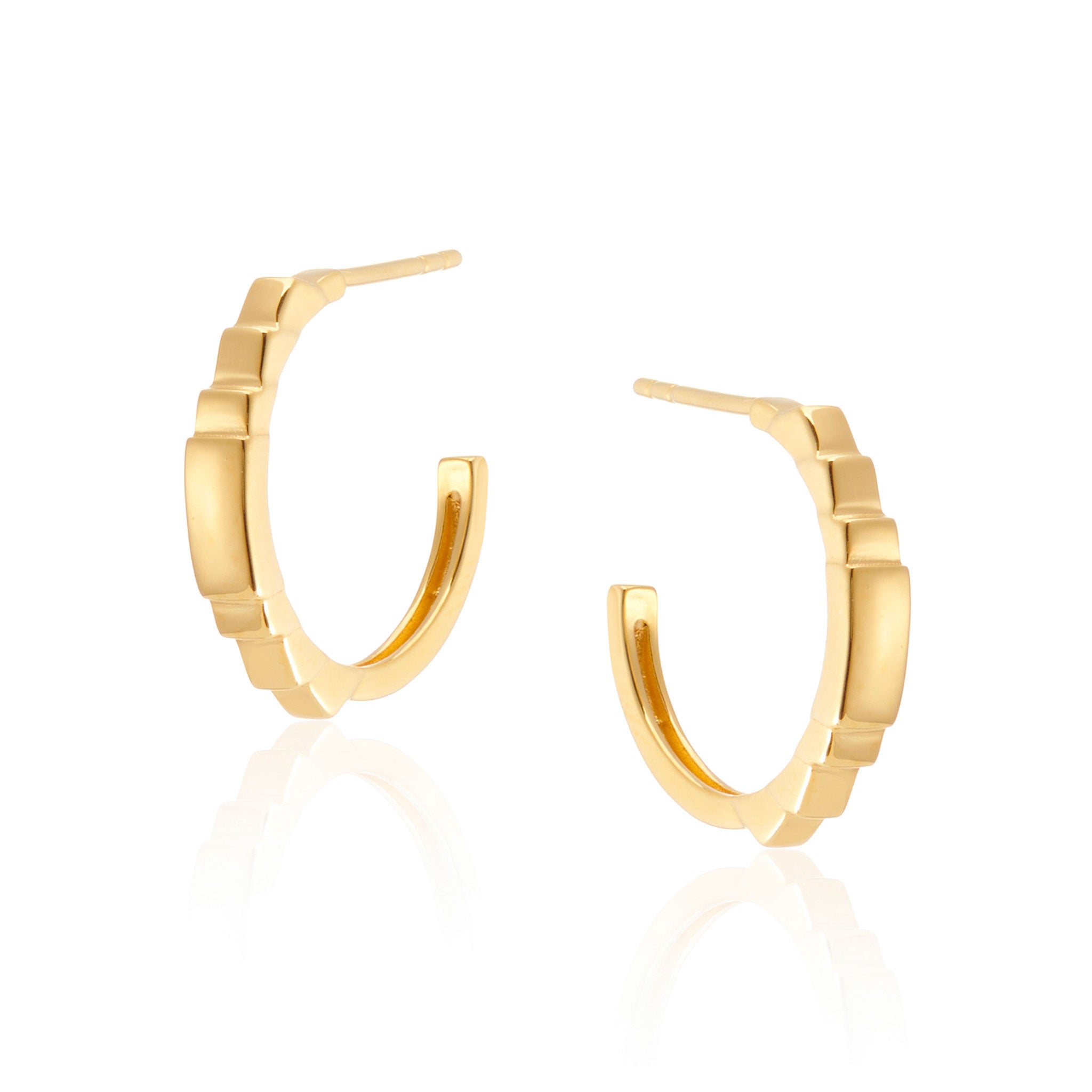 Tyra Small Hoop Earrings in Gold