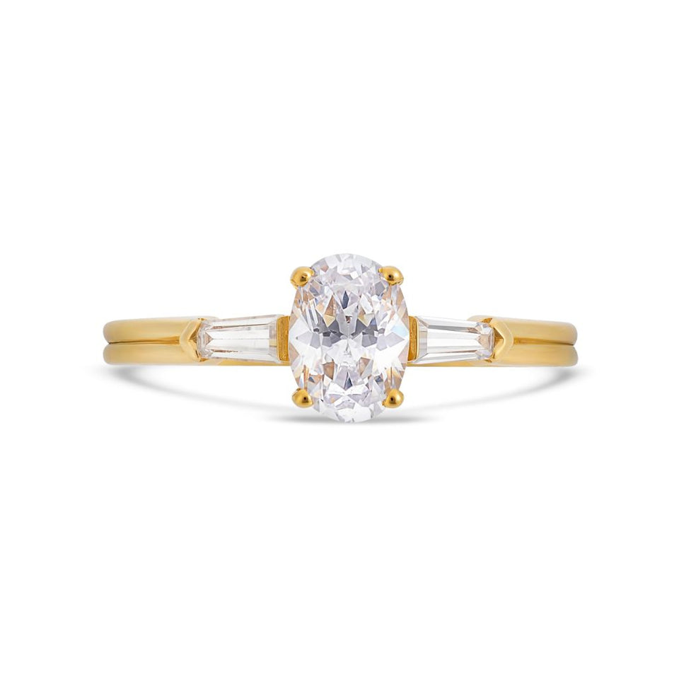 Illusion bullet & oval cut diamond ring in yellow gold