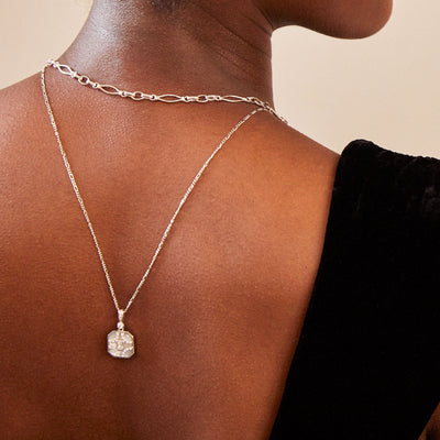 Nina Silver Necklace in Pearl on Figaro Chain