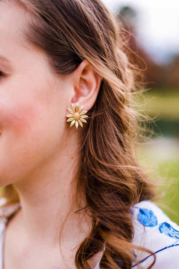 Daisy Post Earrings