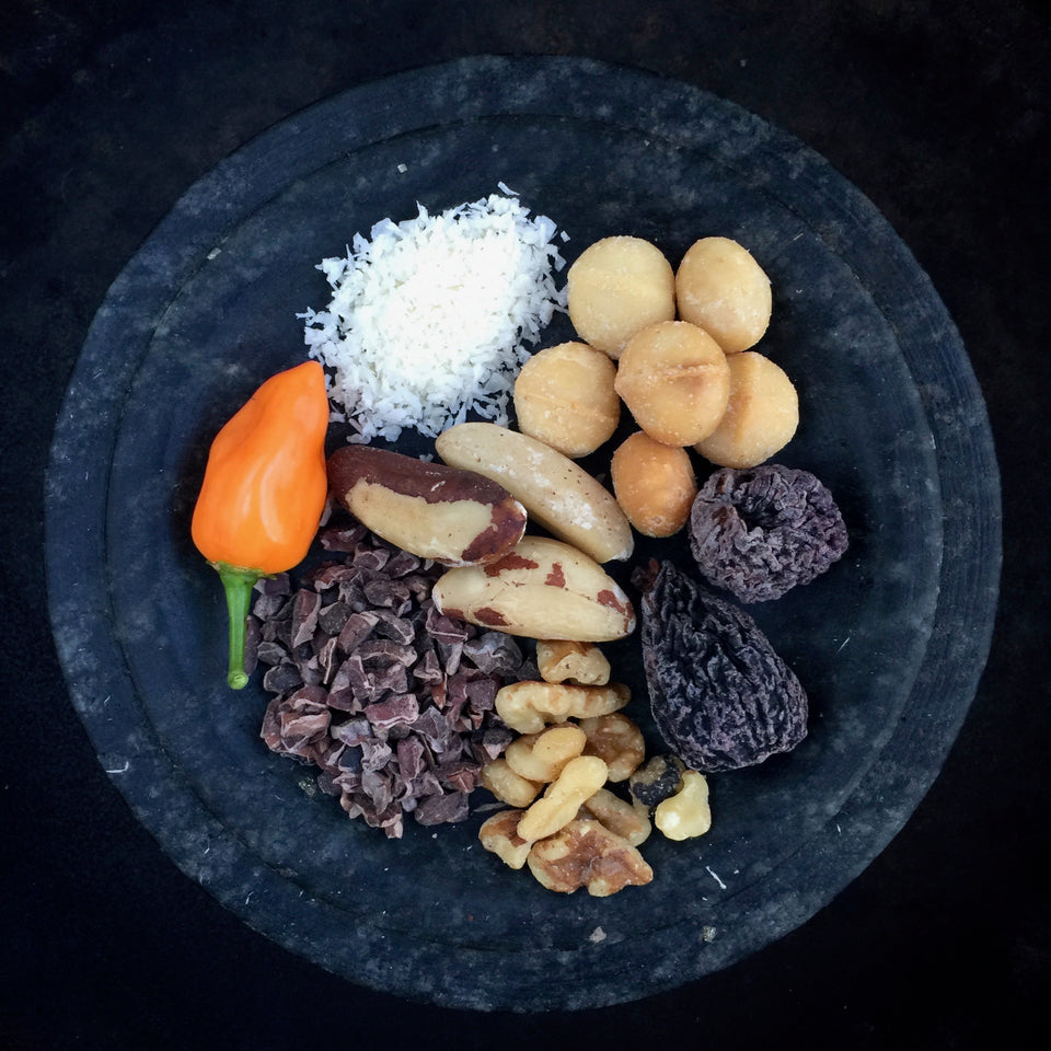 Halsobar ingredients -- nuts, cacao, figs, habanero, coconut