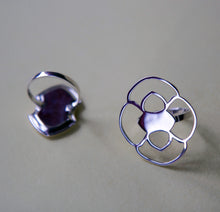 Simple Tetracoralla Ring