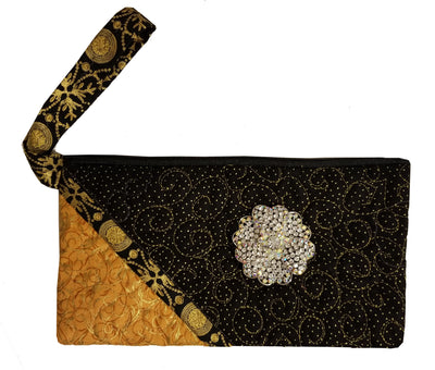 On the Town Clutch Pattern