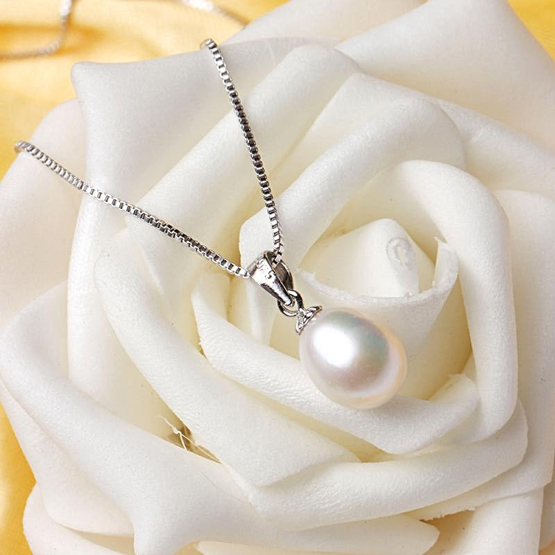 Girls Love Pearls & Silver Necklace