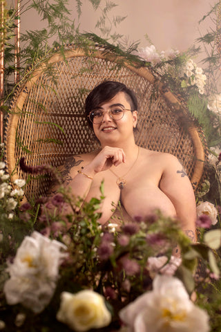 Fox explains her secret to body positivity, and haes while wearing ethically sourced jewellery by Forage Design in their celebration of diversity and inclusivity