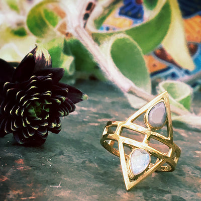 gemstone pyramid ring, brass ring, boheemi ring, boho ring