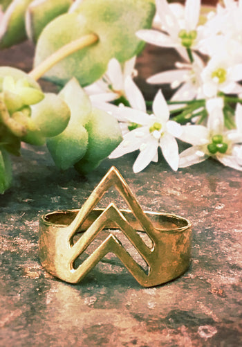 Ayssu Arrow Ring